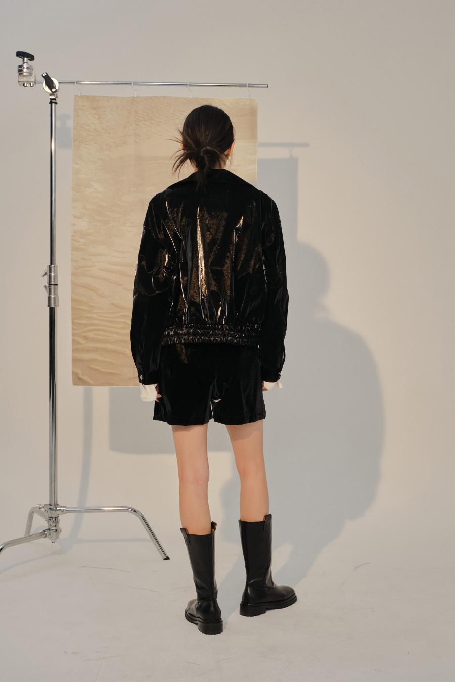 재킷 모델 착용 이미지-S1L47