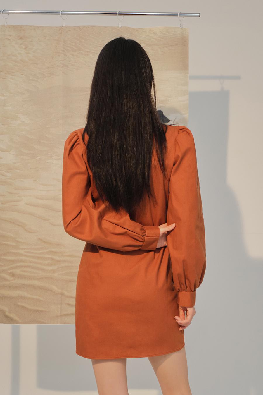 코트 모델 착용 이미지-S1L32